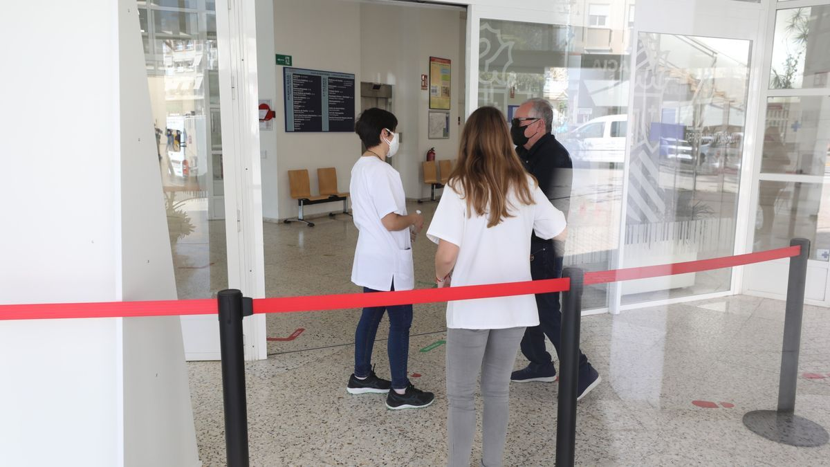 Access to the Altabix health center in Elche.