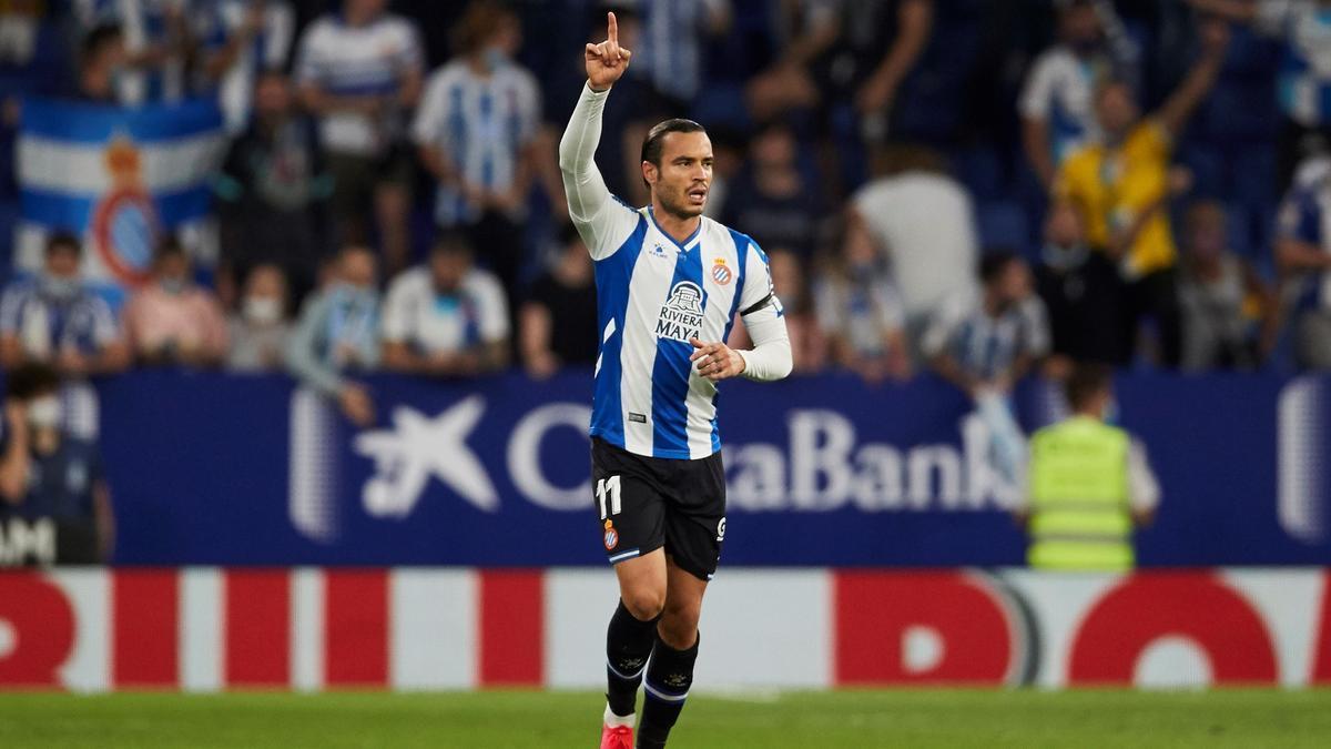 Raúl de Tomás hace el gol de la victoria para el RCD Espanyol.