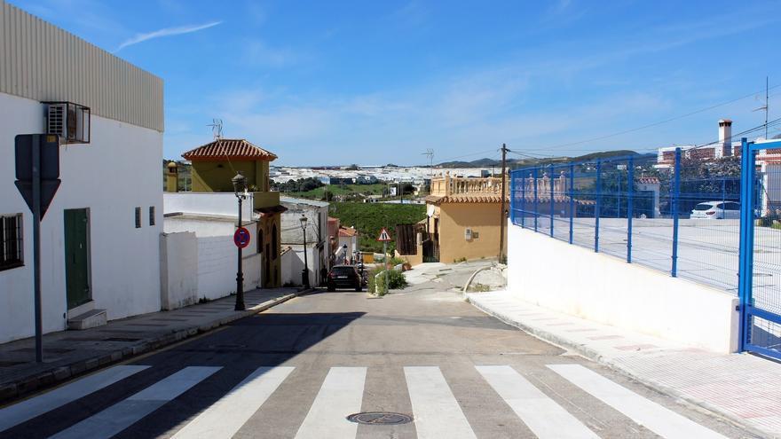 El Ayuntamiento de Estepona ensanchará la calle Juan Benítez para mejorar la fluidez del tráfico en la ronda norte