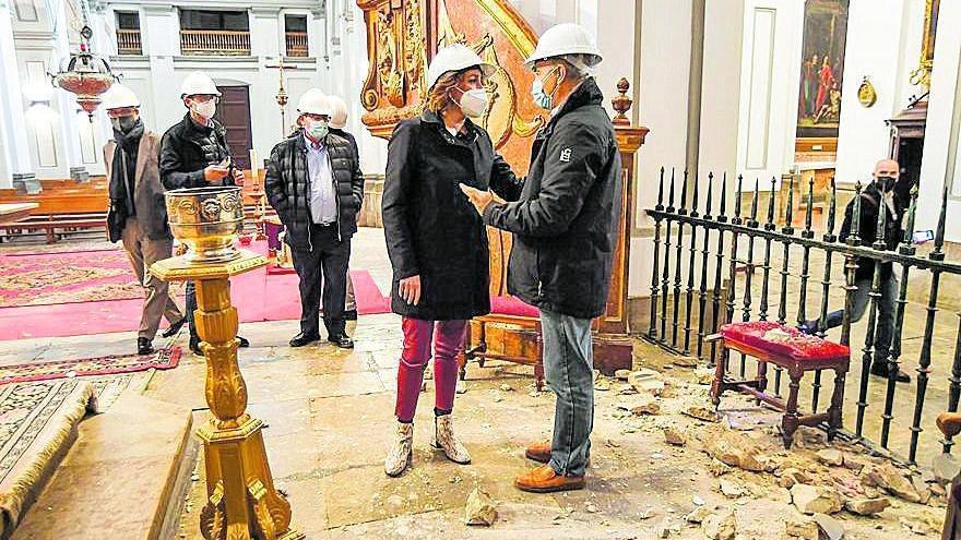 """Susana Díaz lamenta en Granada que los municipios de los terremotos siguen en """"situación de urgente necesidad"""""""