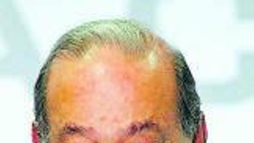 Carlos Slim, con 'síntomas menores' de COVID-19