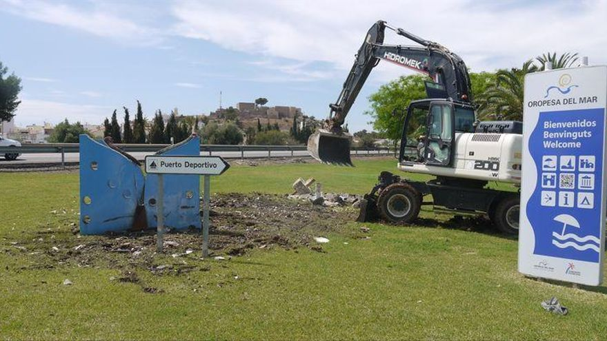 El Ayuntamiento sustituye la embarcación situada a la entrada de Orpesa del Mar