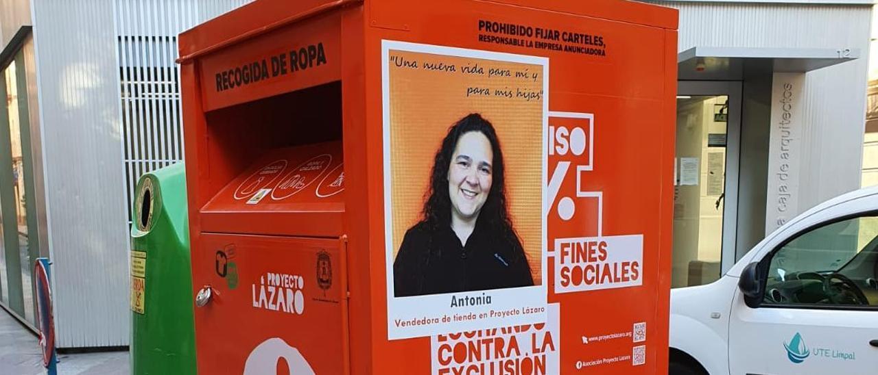 Uno de los carteles de la campaña de Proyecto Lázaro