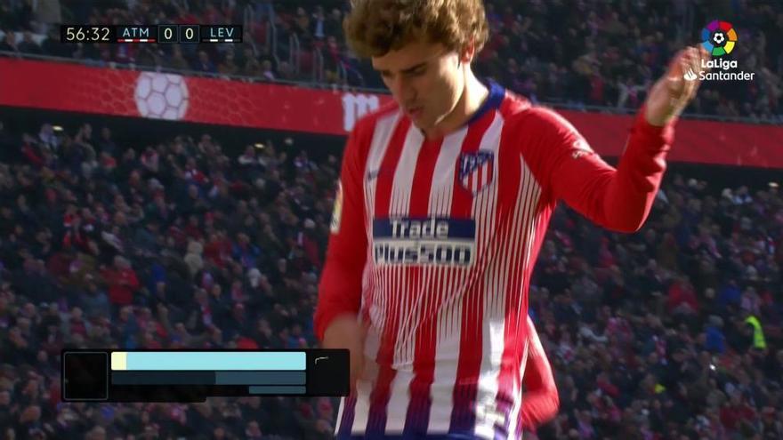 Un gol de penalti permite al Atlético insistir por LaLiga