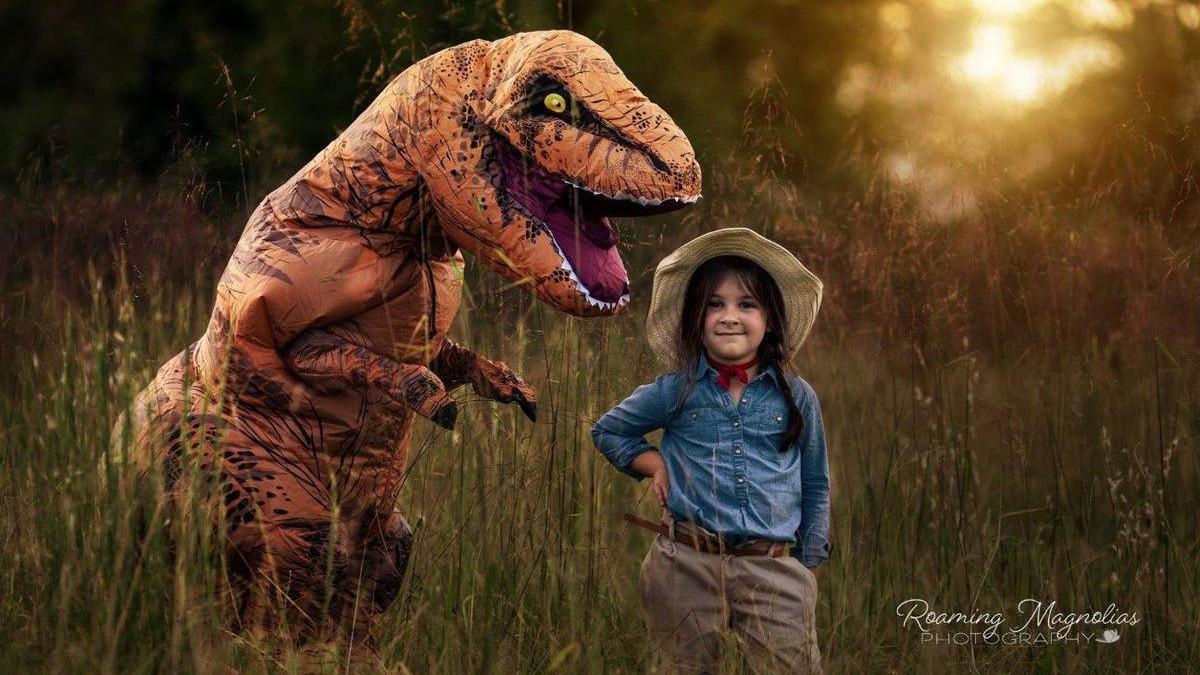 La tierna sesión de fotos de un niño autista disfrazado de T-rex