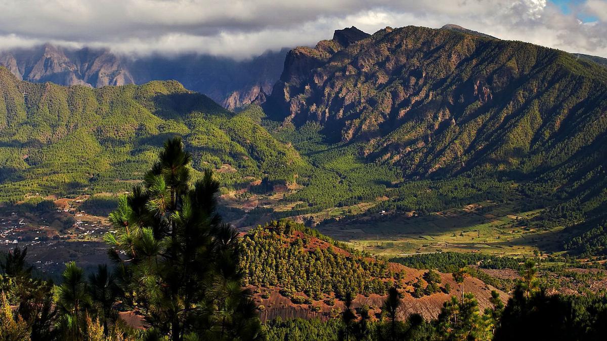 Vista del Parque Nacional de la Caldera de Taburiente, en la isla de La Palma.