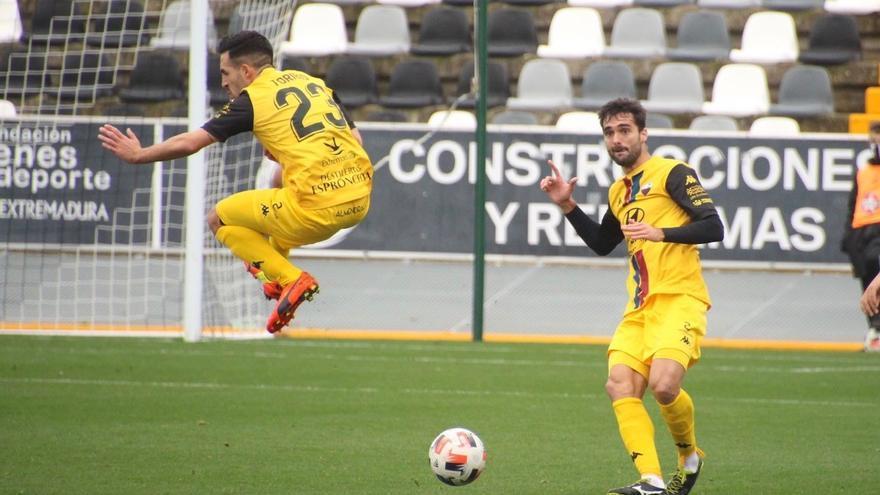 El Extremadura quiere meter la directa al playoff