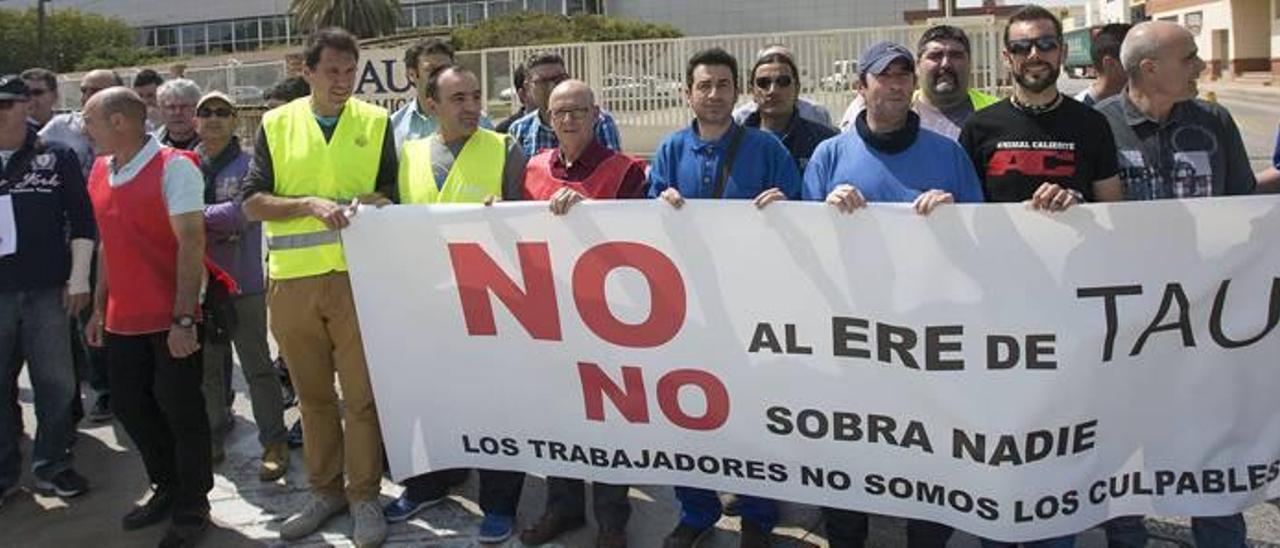 Concentración de trabajadores convocada la semana pasada, antes de llegarse al acuerdo.