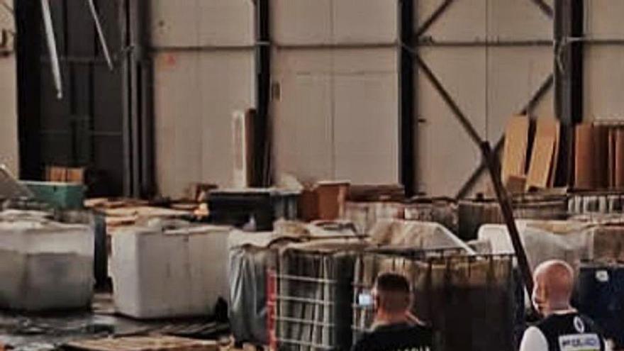 Hallan en Crevillent un vertedero industrial ilegal con productos tóxicos