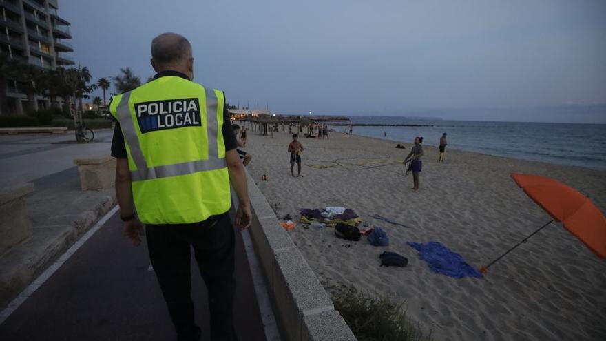 Cort destina todos los efectivos policiales disponibles a controlar las playas la víspera de Sant Joan