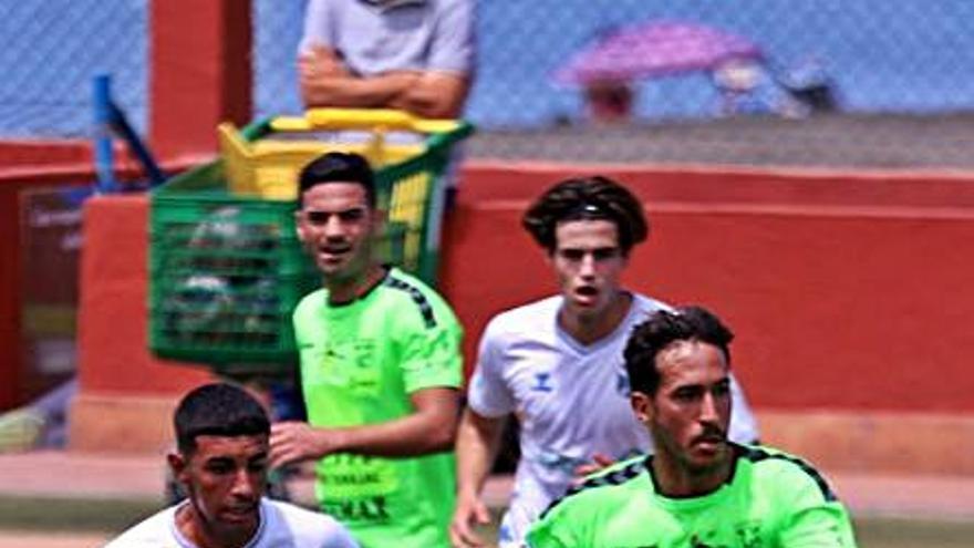El Tenerife B se impone a un rival directo para la repesca