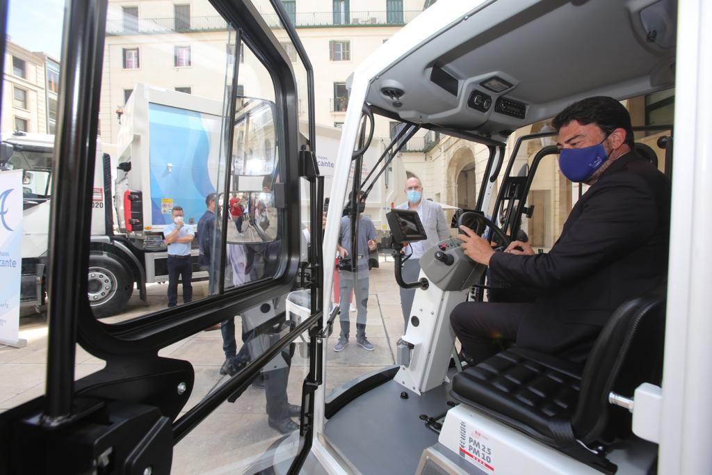 Nueva maquinaria de limpieza viaria y recogida de residuos en Alicante