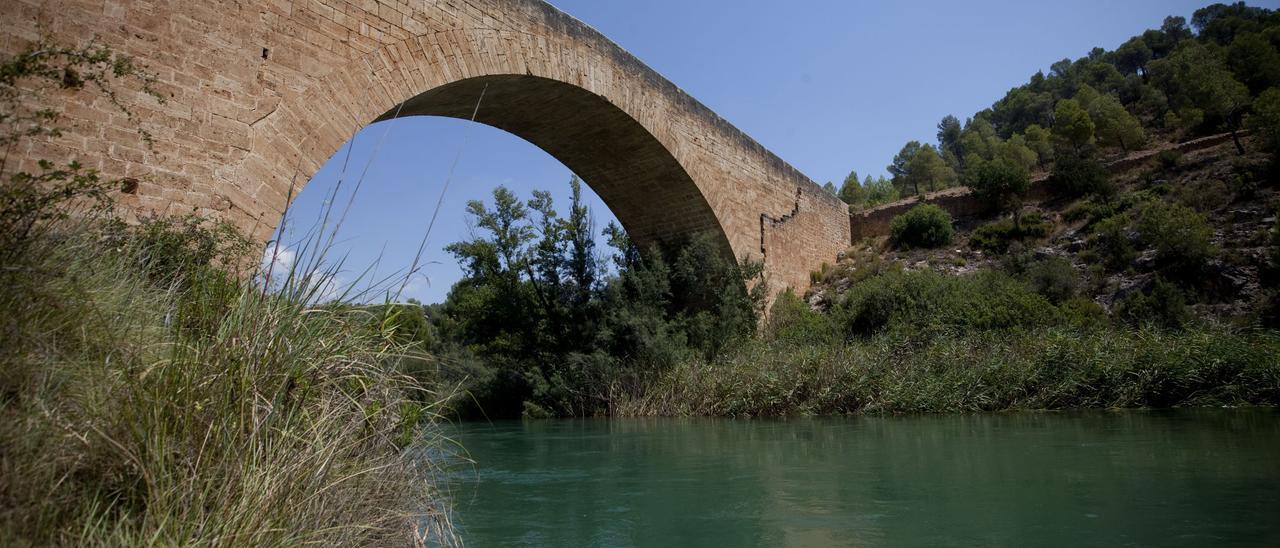 Puente de Vadocañas.