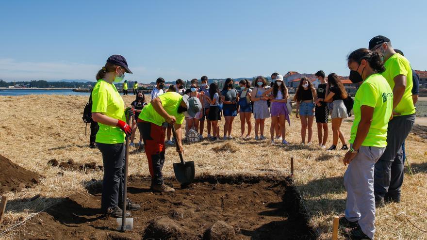 San Sadurniño ya le susurra su pasado a los arqueólogos