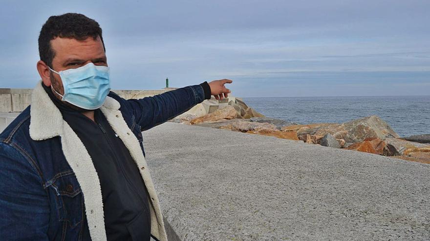 Unanimidad en Navia para exigir el nuevo dique de Puerto de Vega al Principado