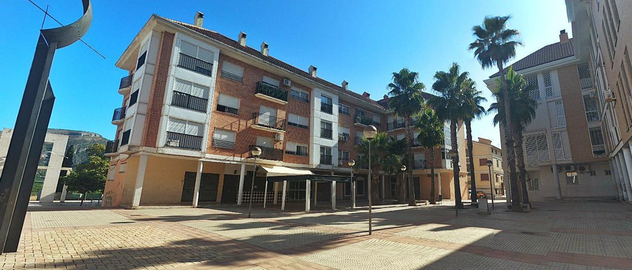 La plaza del Rei Joan Carles I de Tavernes de la Valldigna, que pasará a llamarse «dels Sequers» a partir del próximo lunes.   LEVANTE-EMV