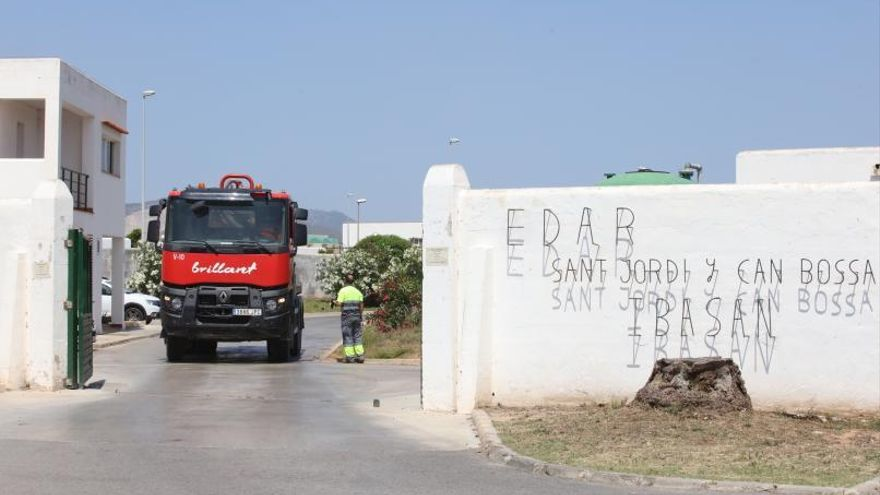 El Govern arreglará el próximo año la fuga del emisario submarino de Platja d'en Bossa