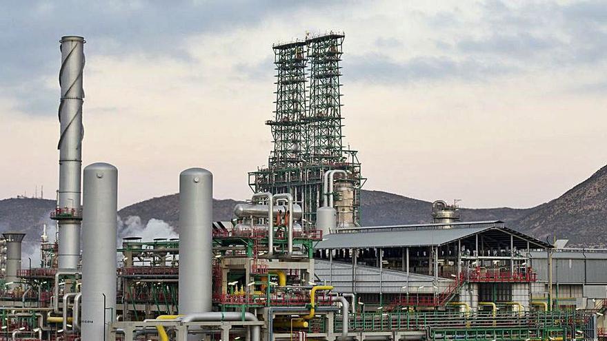 Repsol destinará 14 millones a mejorar la eficiencia energética de la refinería de Cartagena
