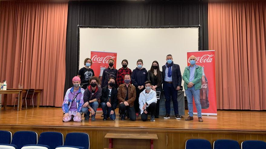 Coca-cola entrega su premio de teatro joven al IES Torreta de Elx