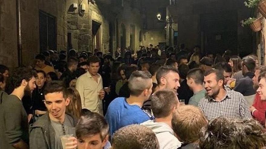 Els bars de Solsona tancaran dues hores abans perquè no es repeteixin aglomeracions al carrer