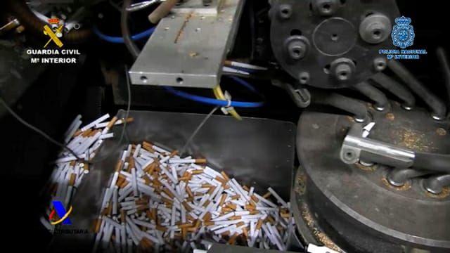Desmantelada una fábrica ilegal de tabaco en Albatera