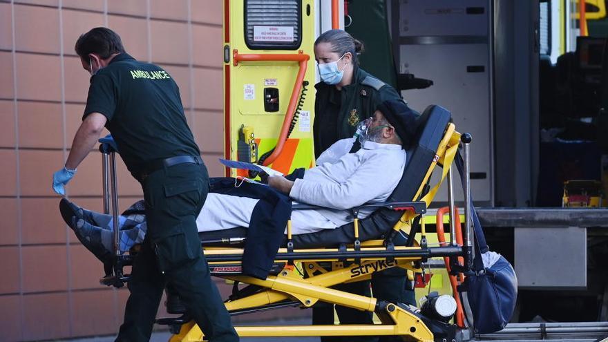 Reino Unido no descarta el cierre de fronteras por las cepas de coronavirus