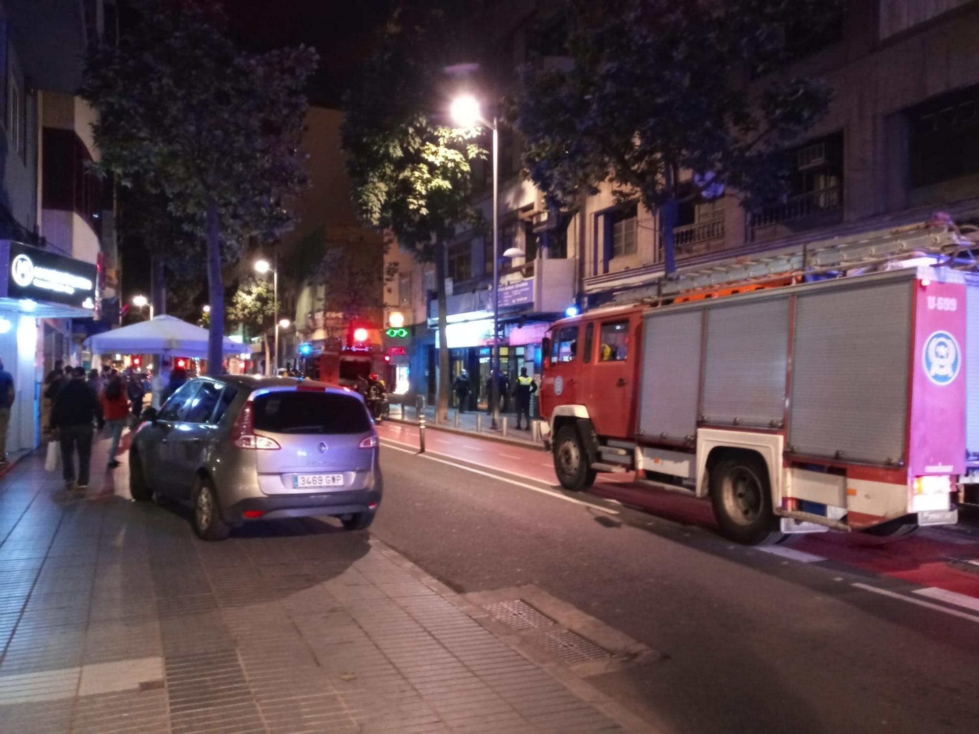 Incendio de una vivienda en León y Castillo