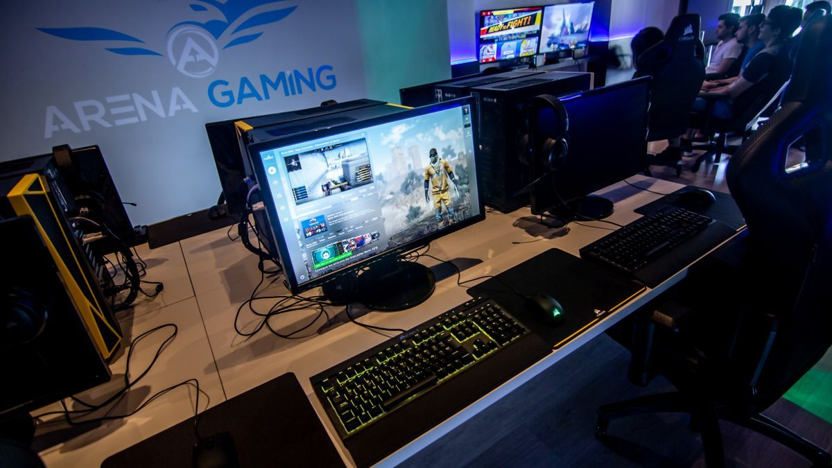 Arena Gaming cuenta con equipamiento premium.