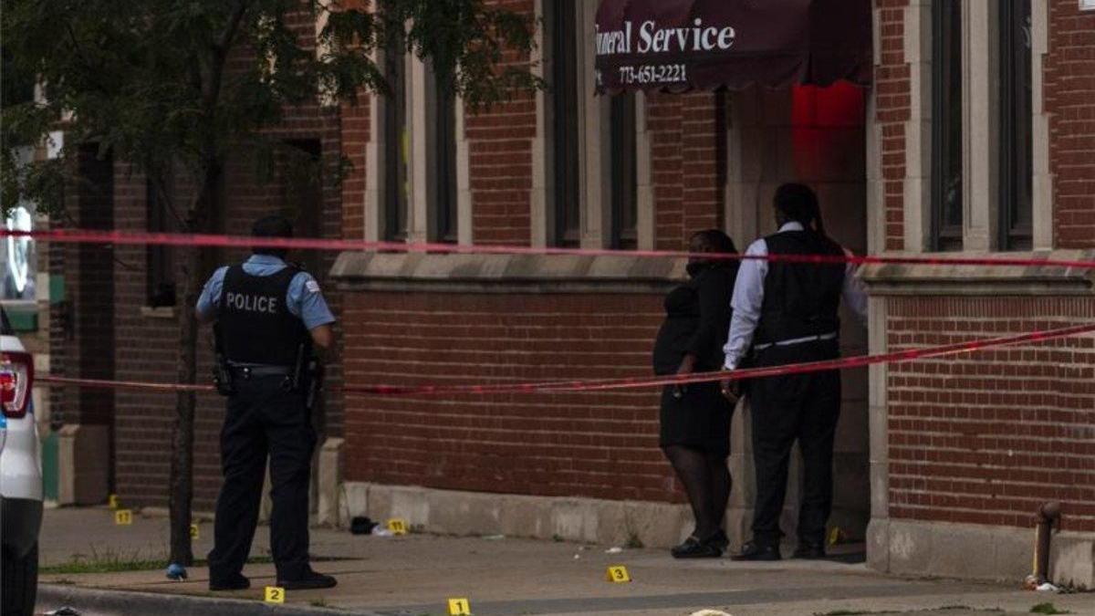 Tiroteo en un funeral en Chicago deja al menos 14 heridos