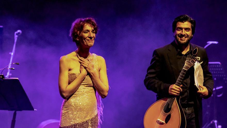 Dulce Pontes reúne a 500 espectadores en la inauguración del Jazz Voyeur Festival