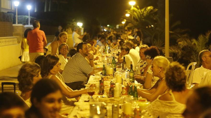 Cena de la luna llena en Santa Pola