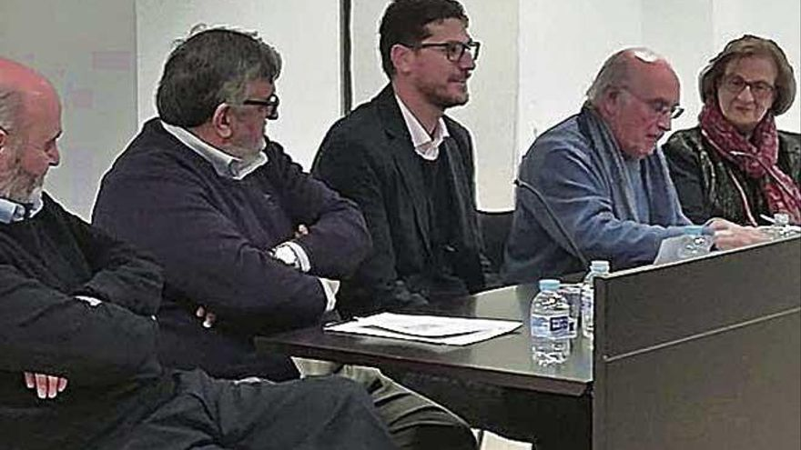 Joan Veny i Clar publica 'Maria Antònia Salvà als Banys de la Font Santa'