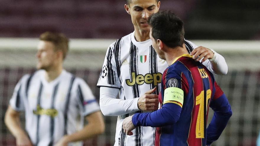La Juventus golea al Barça, que pierde el liderato