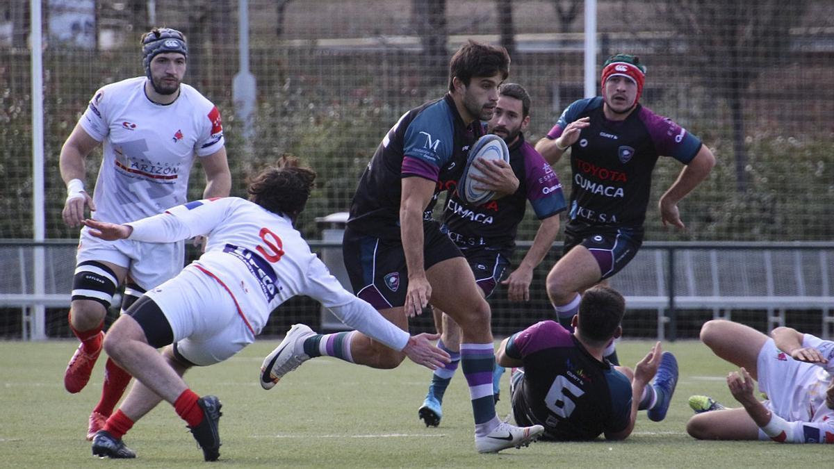 Rugby Málaga consigue esquivar al defensa rival