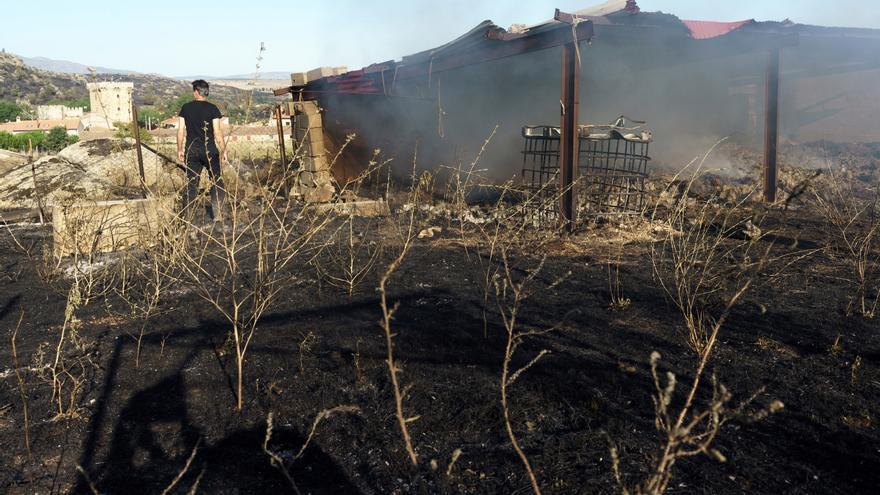 Estabilizan el incendio de Ávila, el más grave desde la ola de calor
