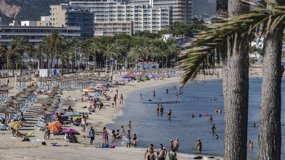 La llegada de turistas británicos a zonas como Magaluf, queda truncada por la cuarentena que veta sus vacaciones en Baleares