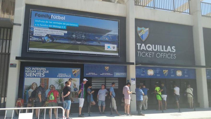 El malaguismo, indignado con el club por la gestión de las entradas