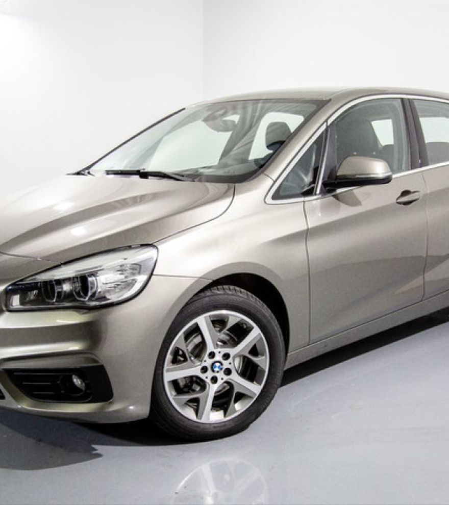 BMW Serie 2 216d Active Tourer Diésel Manual 2017 Gris plata por 14.600€