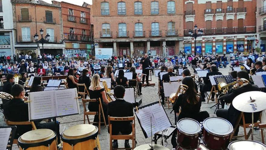 Un Concierto de Primavera de la Banda de Música lleno de novedades