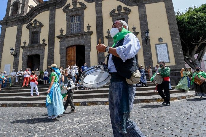 Lloran bucios por María, la no romería de Santa María de Guía