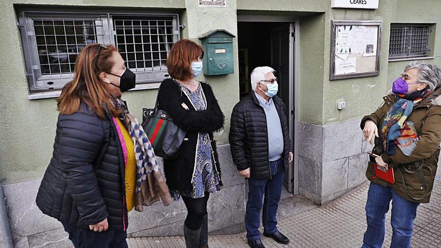 El viejo bar de Los Pericones, alternativa de espacio de uso para los vecinos de Ceares