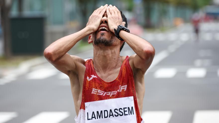 El español Lamdassem acaba quinto y Kipchoge gana su segundo oro en la maratón