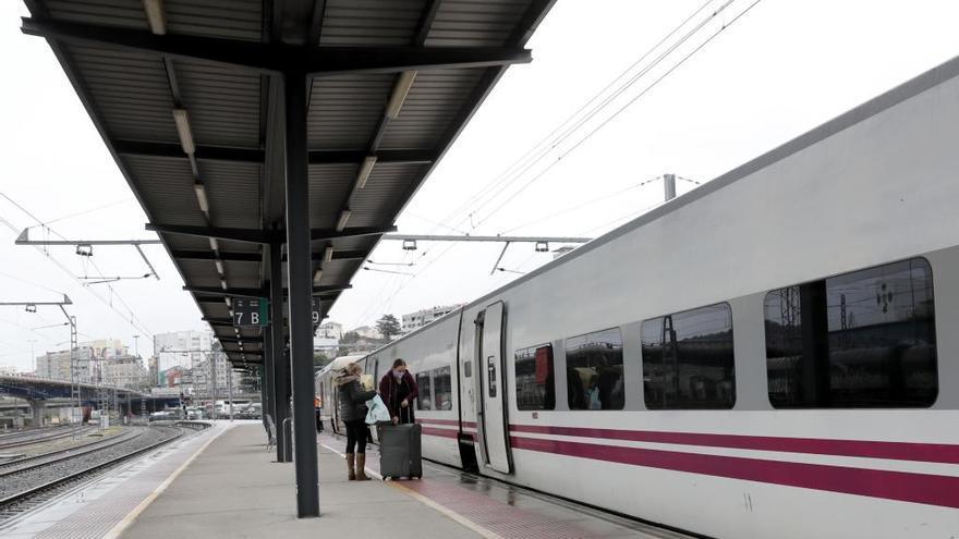 Renfe volverá a conectar A Coruña, Vigo y Ourense con Euskadi a partir del 11 de enero