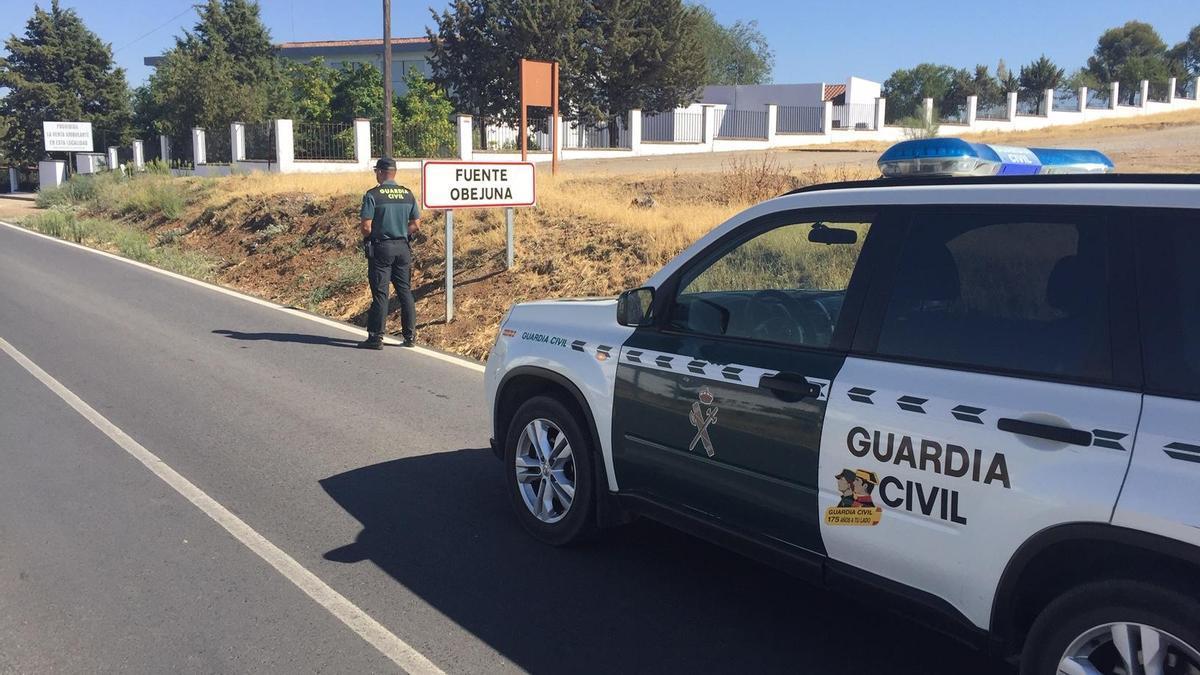 Patrulla de la Guardia Civil en Fuente Obejuna.