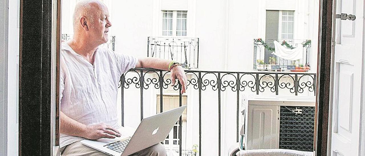 Eugene Costello, periodista londinense en València