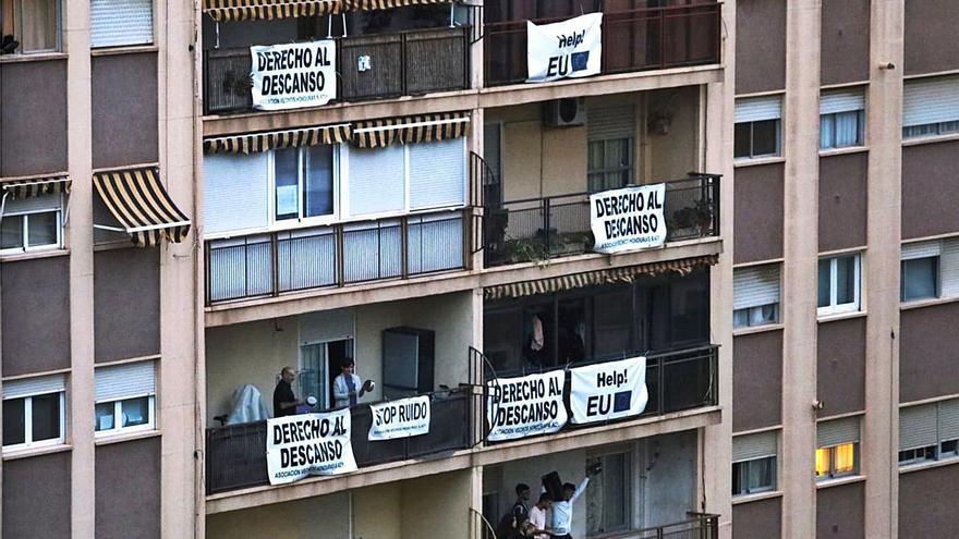 Marxalenes i Hondures es farten dels 'botellots'