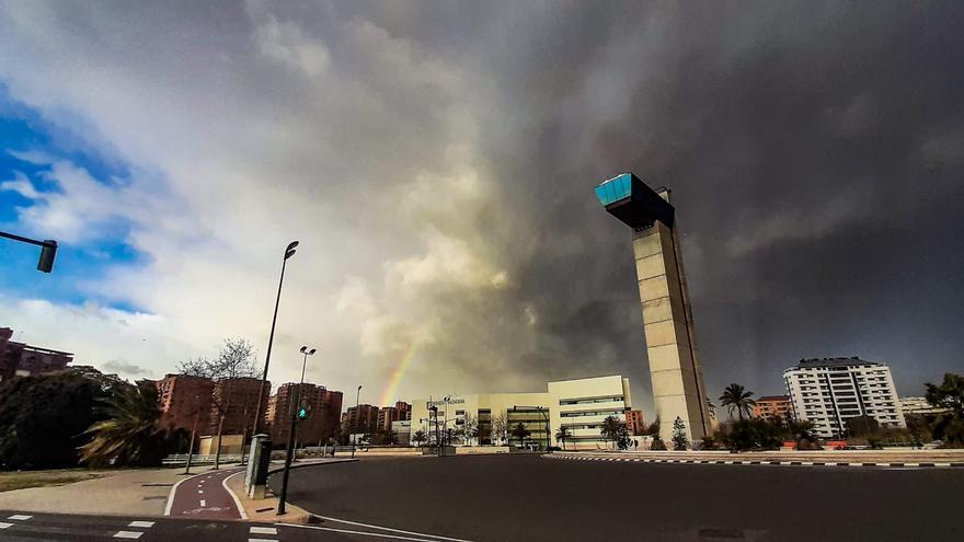 Última hora del tiempo en Valencia y el temporal de viento