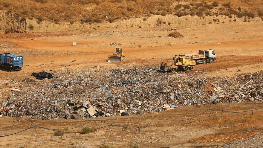La Diputación reduce en 1,9 millones las cuotas de los pueblos por tratamiento de residuos