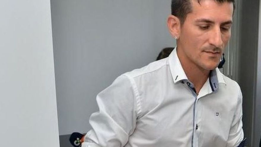 El pare de Yeremi Vargas, després de l'acusació d'abús sexual: «La meva filla es va ficar al llit»