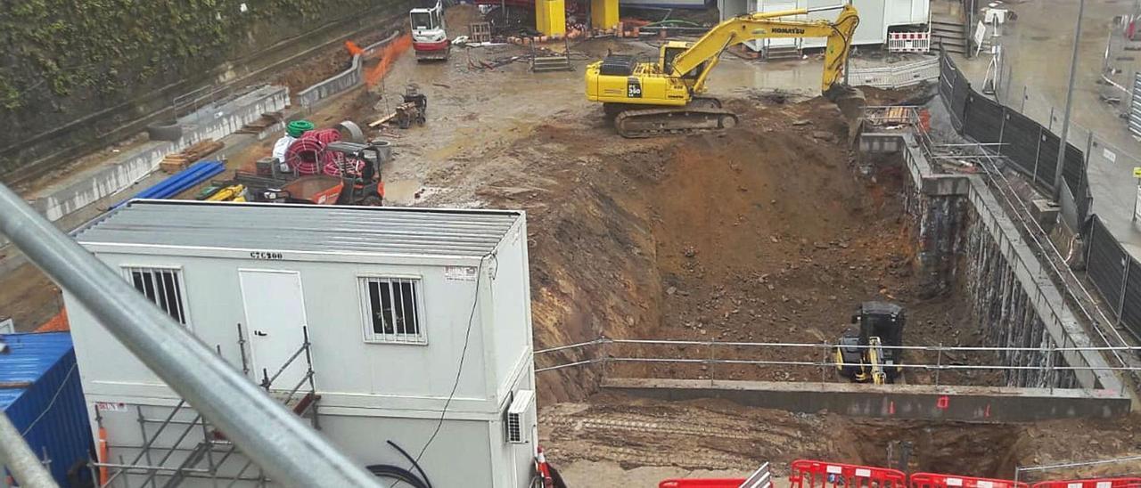 Gran excavación donde se instalará la sala de control del futuro túnel